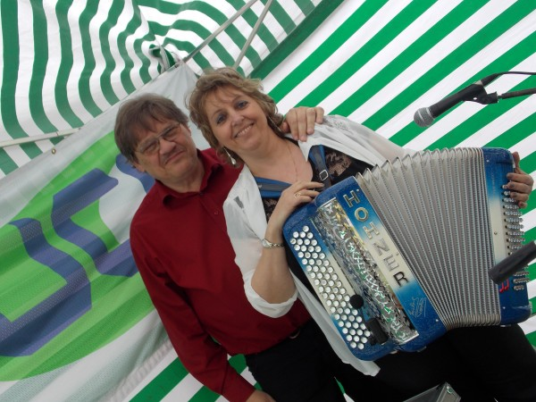 brocante,accordeon, erika, musique, fete, the, dansant