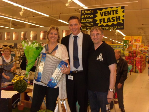 accordeon, erika, musique, magasin, carrefour, wepion