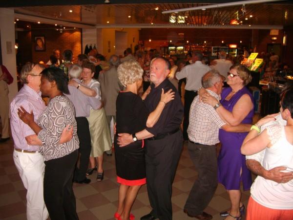 dancing20120602marche2erika1sptja.jpg