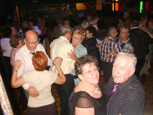 dancing20091122rianfra1erika3sptja