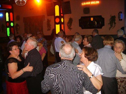 dancing20091122rianfra1erika2sptja