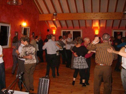 dancing20091121pause3erika