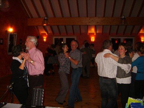 dancing20091121pause4erika