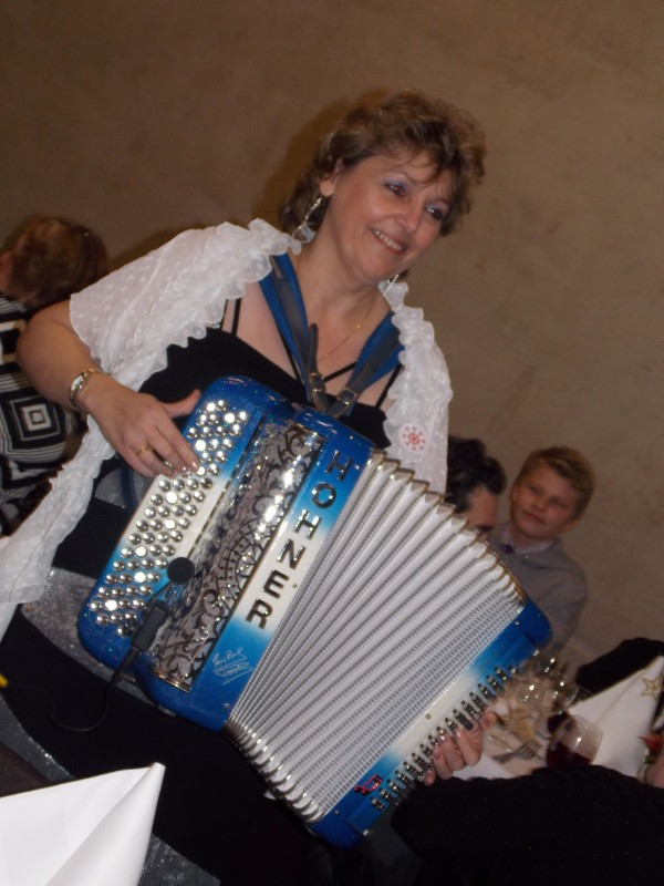 namur,solidarite,accordeon,erika,musique,fete,noel