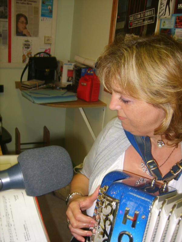 radio20110629qui1chifef1erika4sptja.jpg