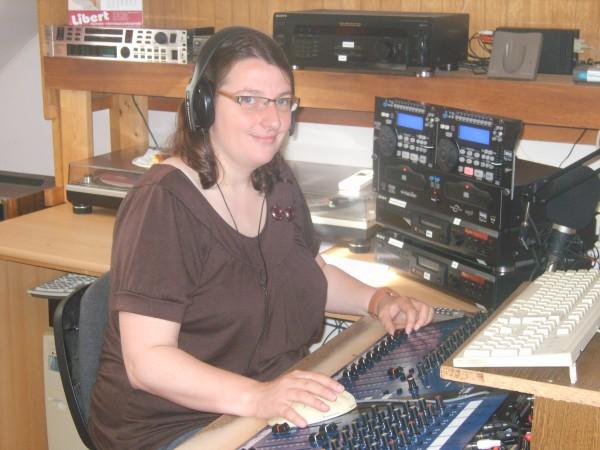 radio20110821quartz3erika.jpg
